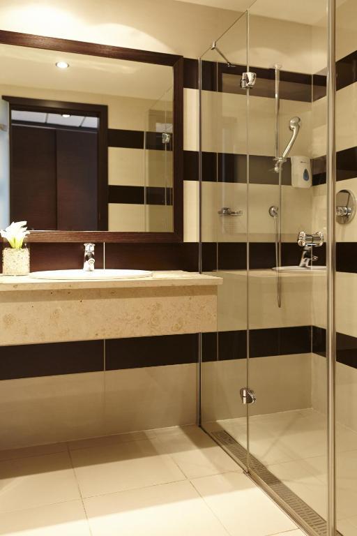 aquaworld resort budapest ferienh user budapest. Black Bedroom Furniture Sets. Home Design Ideas