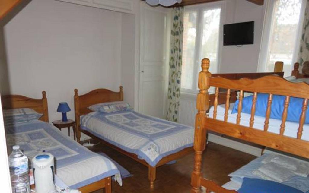 chambres d 39 h tes bourth b b chambres d 39 h tes chaise dieu du theil dans l 39 eure 27. Black Bedroom Furniture Sets. Home Design Ideas