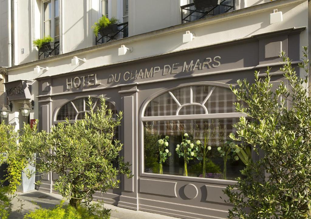Hotel du champ de mars paris online booking viamichelin for Hotel booking paris
