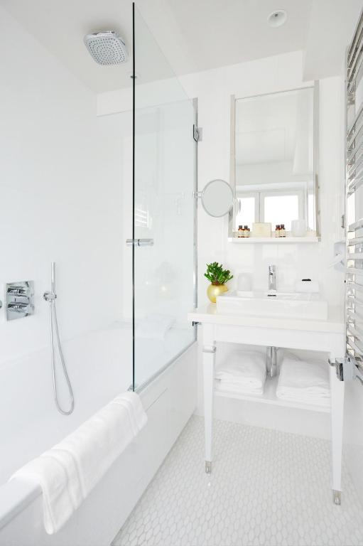 H tel baume r servation gratuite sur viamichelin for Salle de bain hotel 5 etoiles