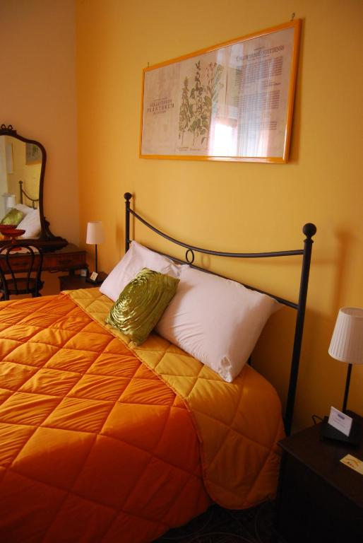 Bed and breakfast casa mariella naples book your hotel for Piani di casa bed and breakfast