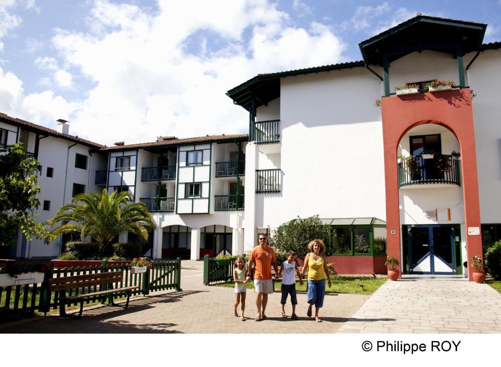 Vvf villages urrugne saint jean de luz saint jean de for Hotels urrugne