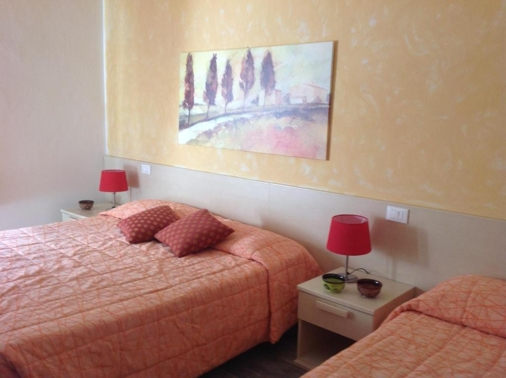 Bed Amp Breakfast Camollia Siena Book Your Hotel With