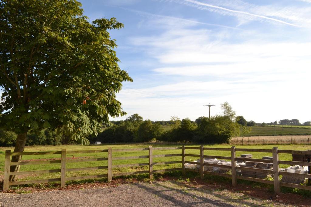 Accommodation bristol airport clevedon prenotazione on - Il giardino clevedon ...