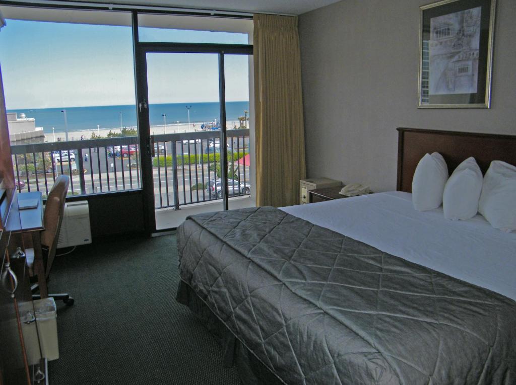 Neptune Park Inn Virginia Beach View