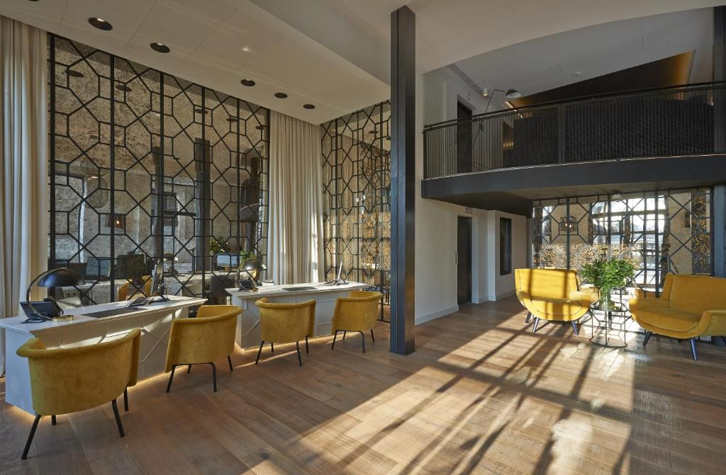 Hotel the serras barcellona prenotazione on line for Barcellona albergo economico