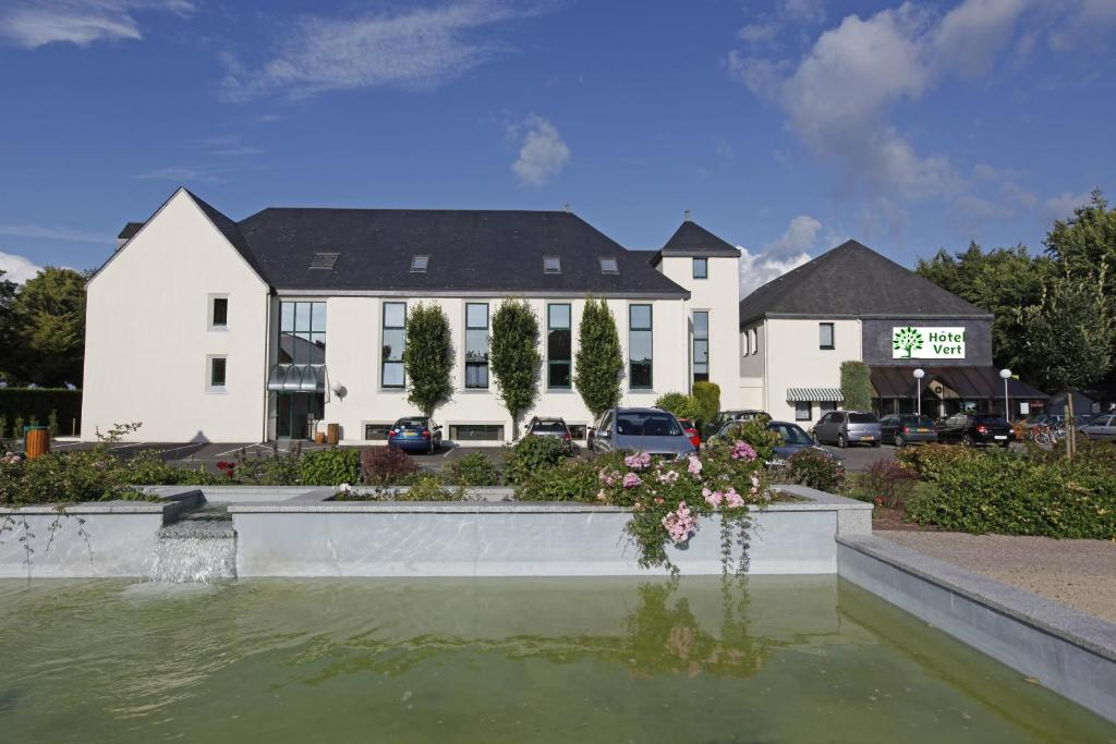 H tel vert pontorson book your hotel with viamichelin for Hotels saintes