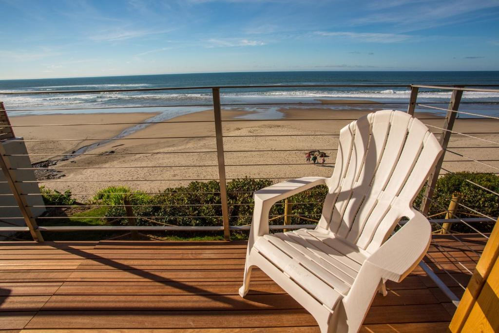 Pelican Shores Inn Lincoln City Book Your Hotel With