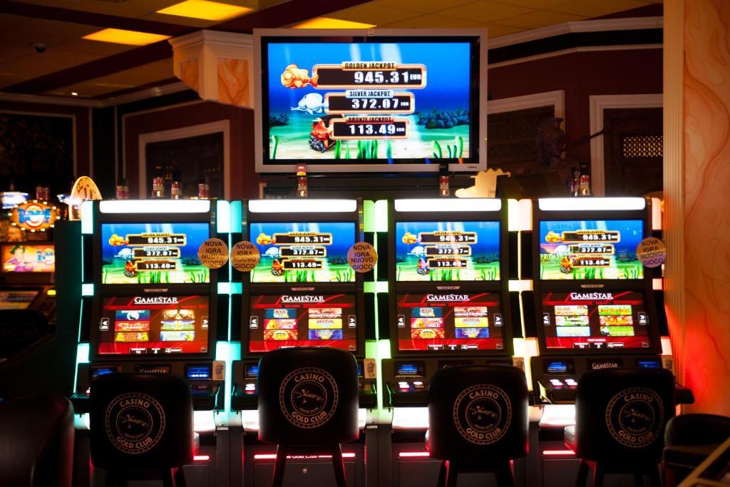 golden club casino