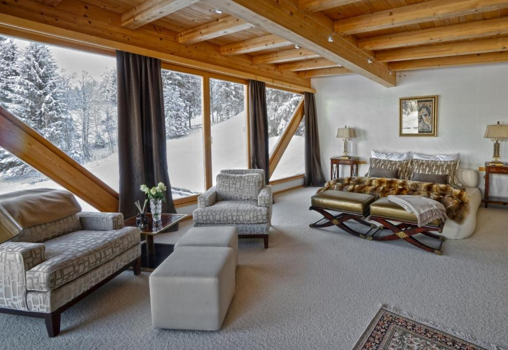 Luxury chalet kitzb hel kirchberg in tirol austria for Interieur chalet