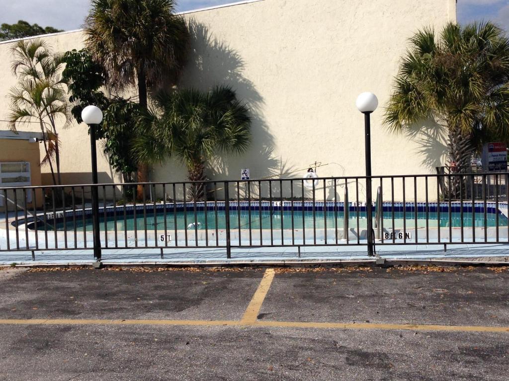 Cadillac Motel Sarasota Fl