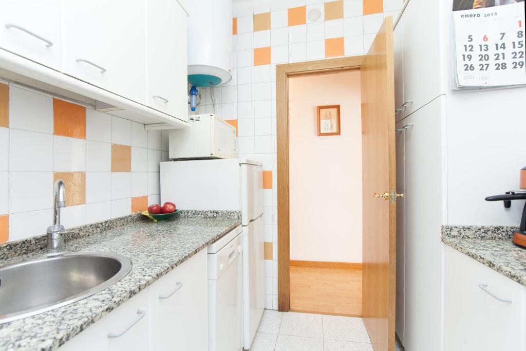 appartement meridiana locations de vacances barcelone. Black Bedroom Furniture Sets. Home Design Ideas