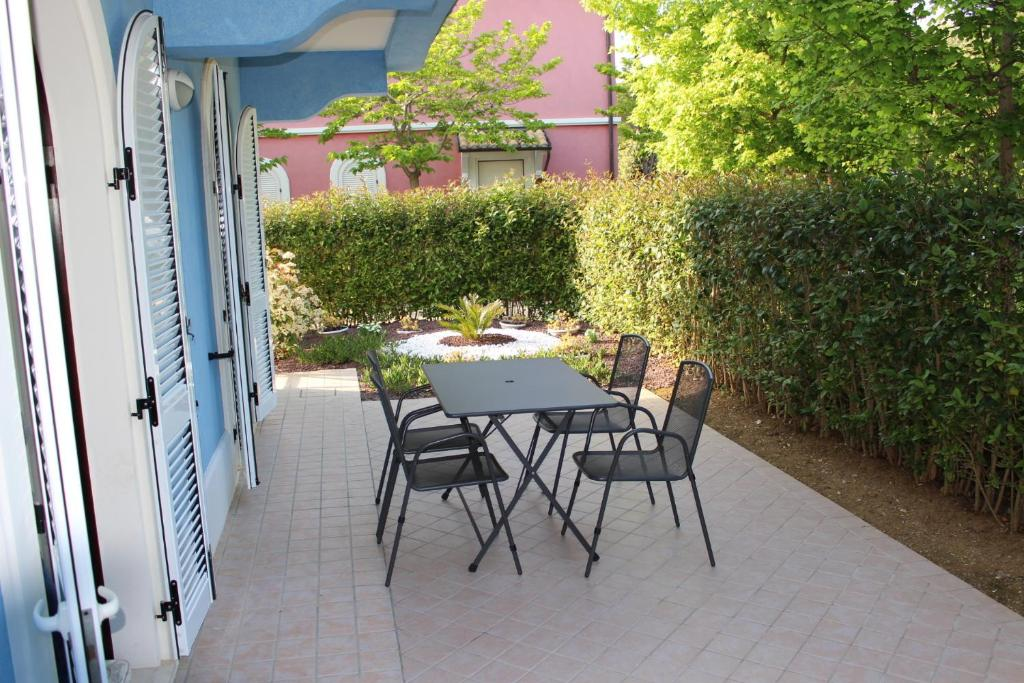 La piazzetta numana reserve o seu hotel com viamichelin for Hotel meuble la spiaggiola numana