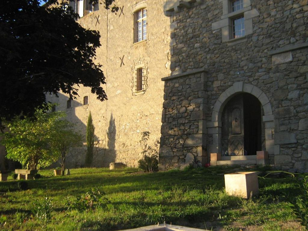Chambres d 39 h tes au ch teau rieupeyroux book your for Chambre d hote chateau