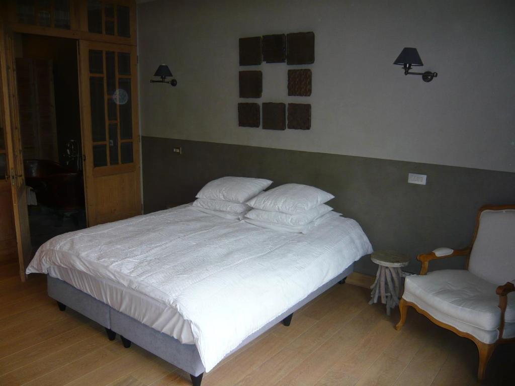 b b het verloren gedicht kortrijk viamichelin. Black Bedroom Furniture Sets. Home Design Ideas