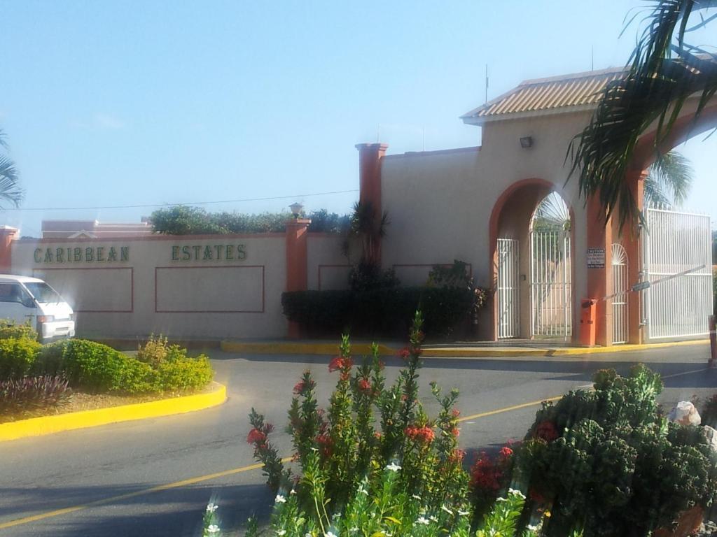 Apartment Caribbean Estate Portmore Jamaica Spanish
