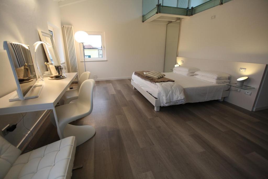 43579272 - Garden Apartment