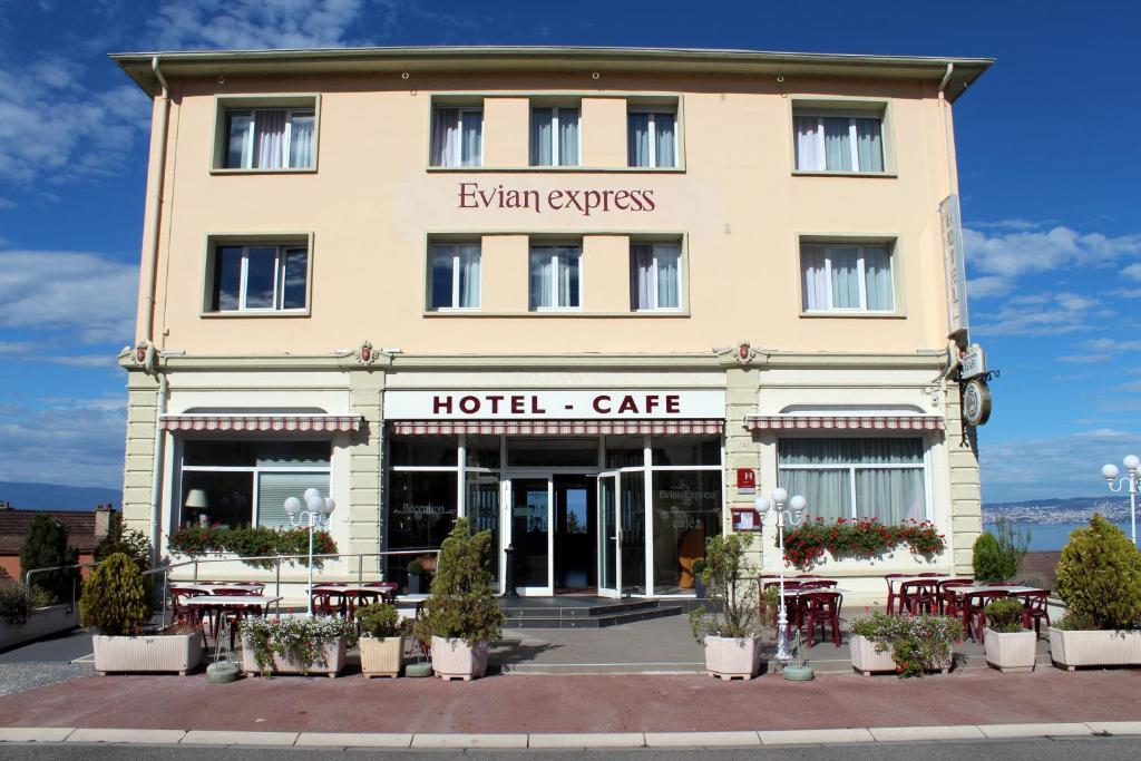 H tel evian express terminus vian les bains book for Hotels evian