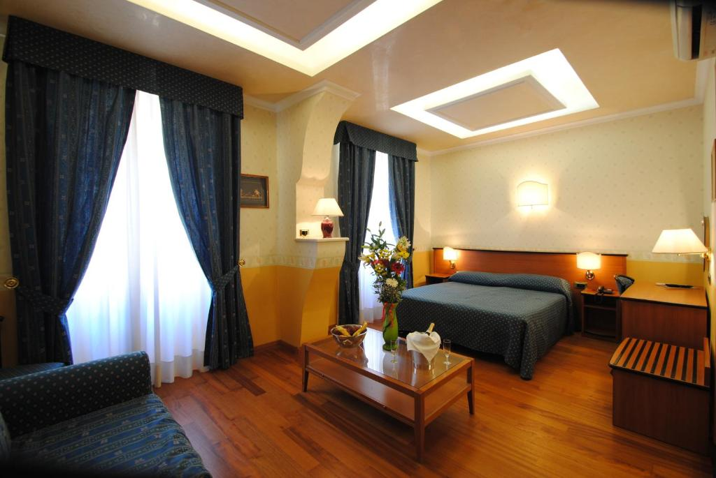 Hotel verona rome rome book your hotel with viamichelin for Hotel roma booking