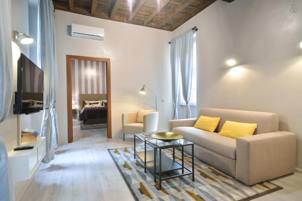Living rhome spanishsteps vatikanstadt informationen for Appartamenti maison del gambero