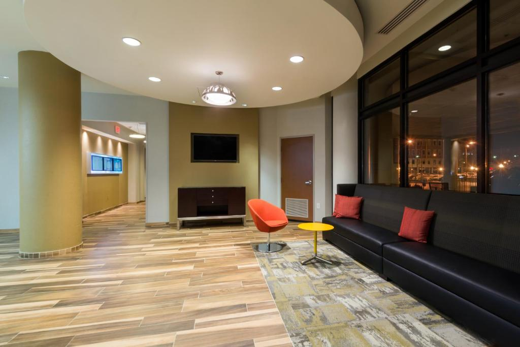 Springhill Suites Louisville Downtown Louisville Book Your Hotel With Viamichelin
