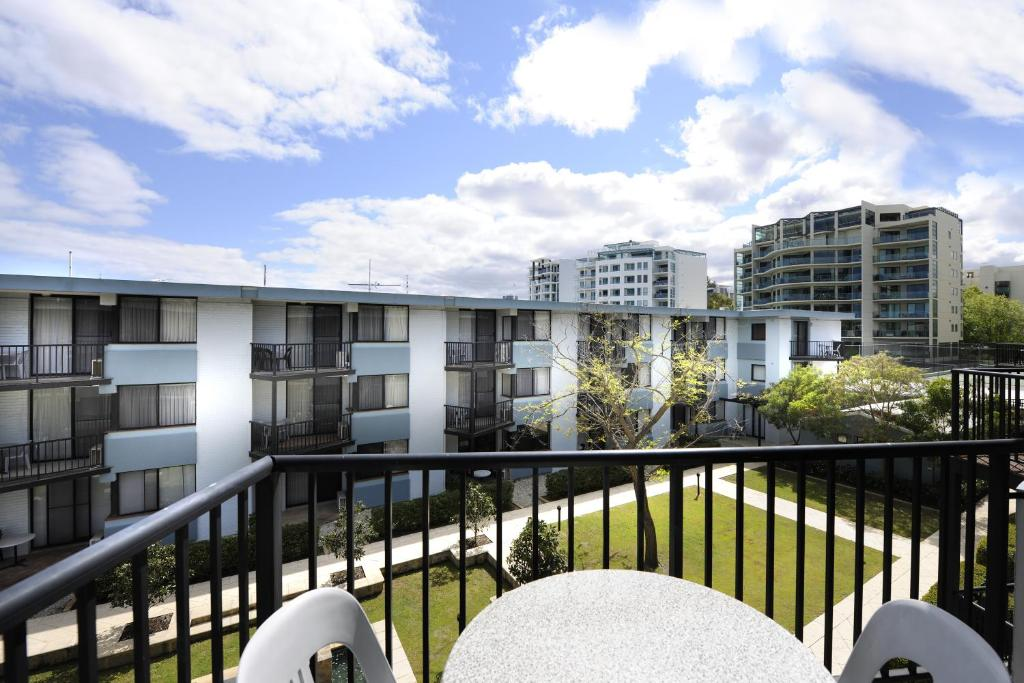 Assured Waterside Apartments - Perth - book your hotel ...