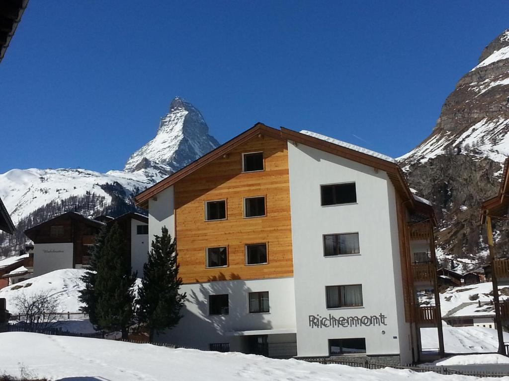 Apartment haus richemont holiday houses zermatt for Apartment haus