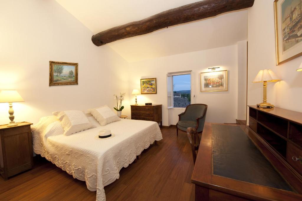 Chambres d 39 h tes la maison du peintre en provence for Chambre d hotes provence