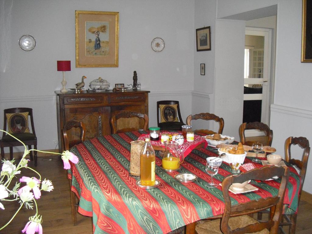 Chambres d 39 h tes maison boisbriou chambres d 39 h tes pigny - Chambres d hotes lisieux ...