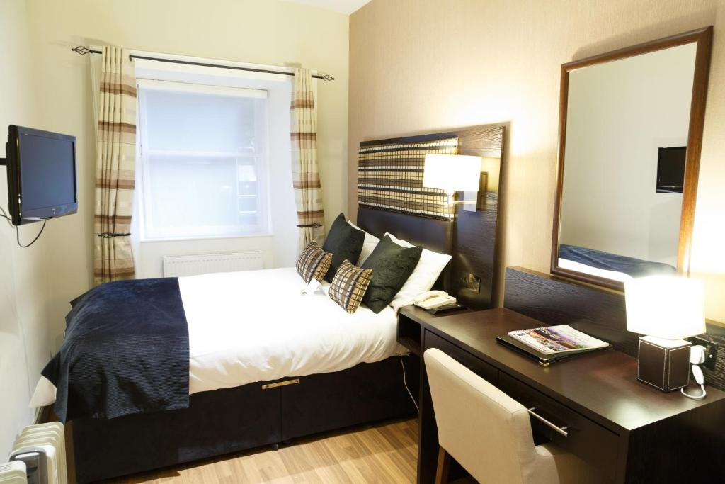 The belhaven hotel glasgow reserva tu hotel con viamichelin for 15 belhaven terrace glasgow