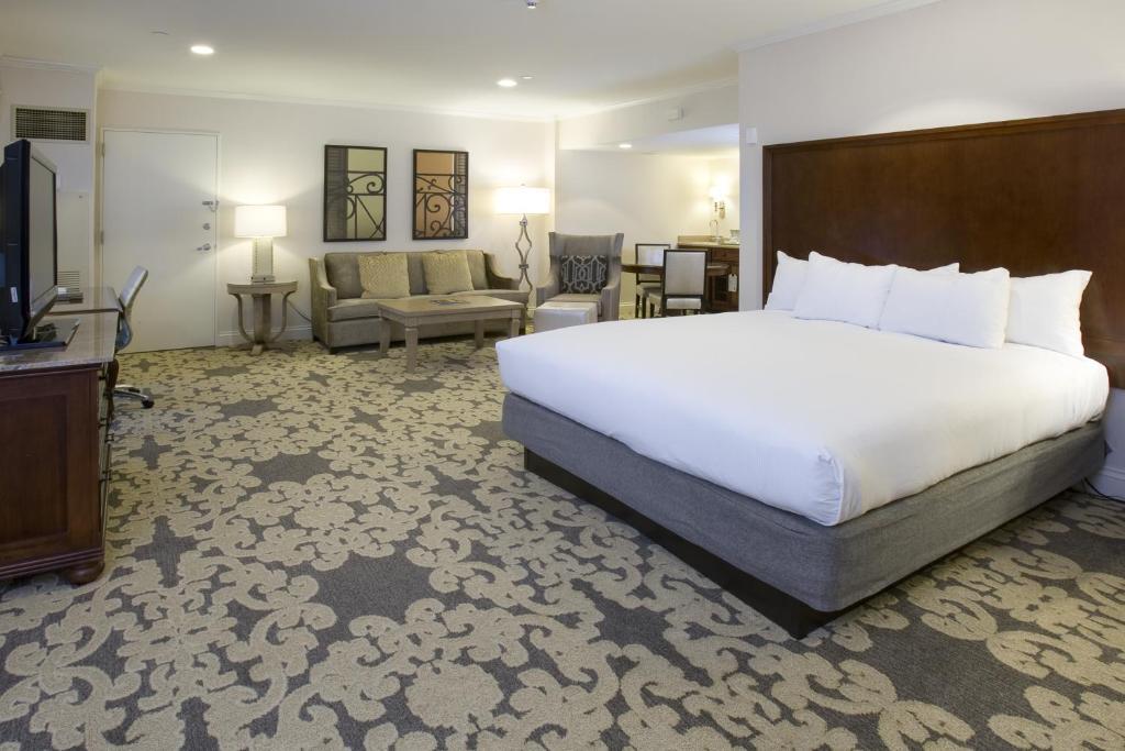 New Orleans Hilton Riverside Restaurants