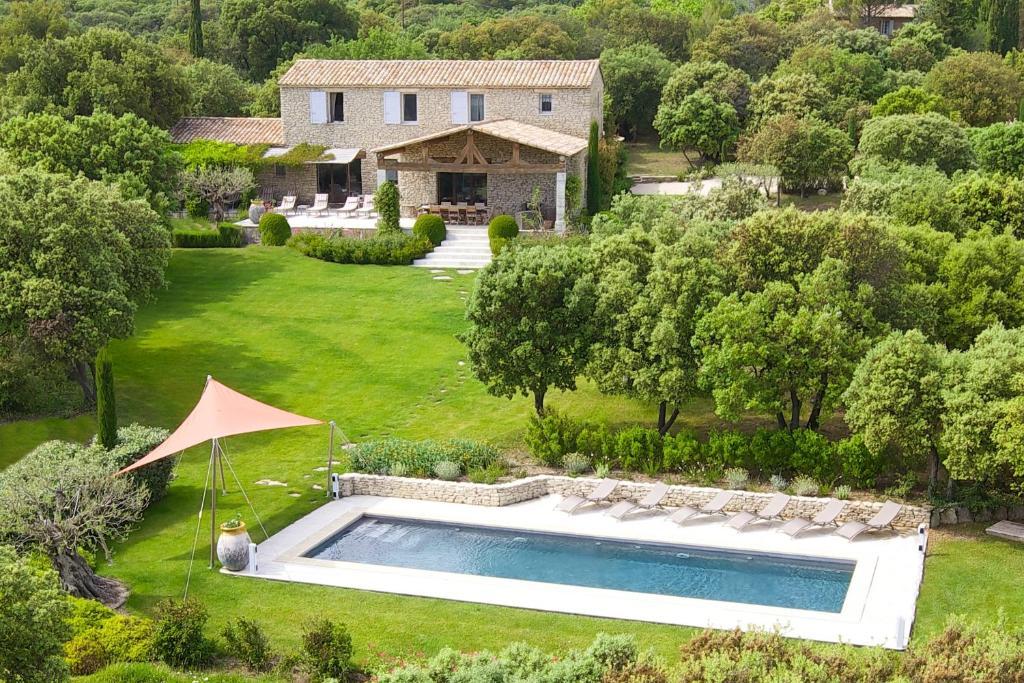 Villa mathilde villa in gordes in le vaucluse 84 At home architecture gordes 84