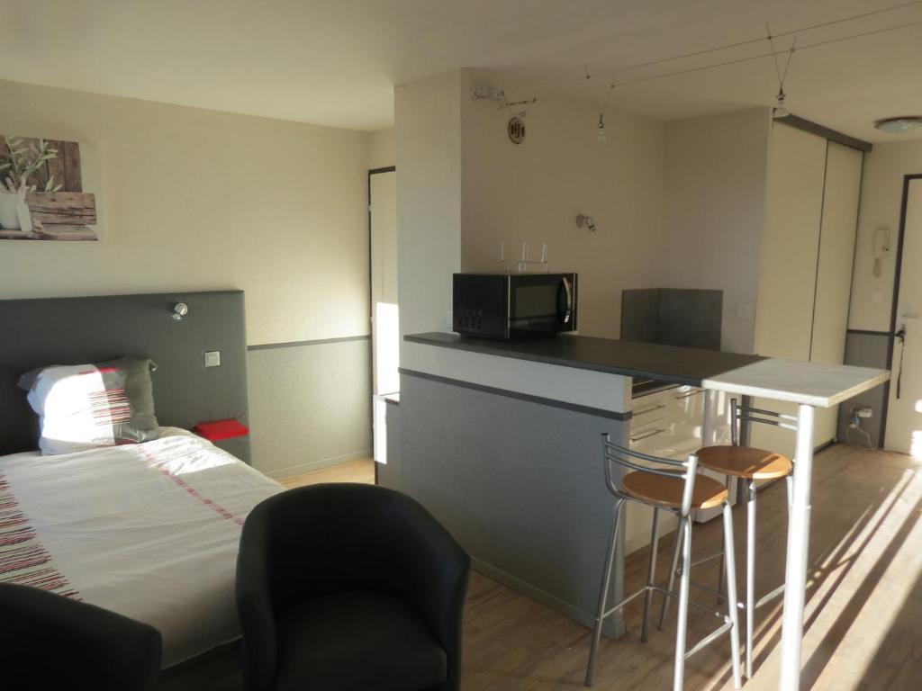 Appartement le domaine de chamma argoulets appartement - Ustensiles de cuisine toulouse ...