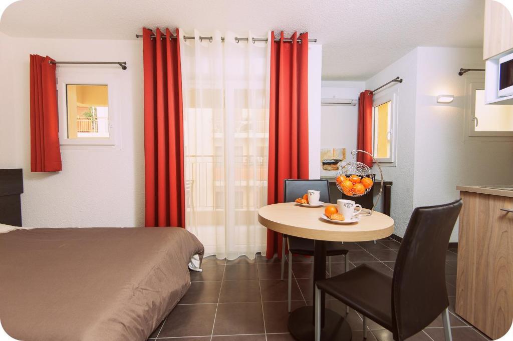 Appart hotel villa serafina r servation gratuite sur for Reservation appart hotel