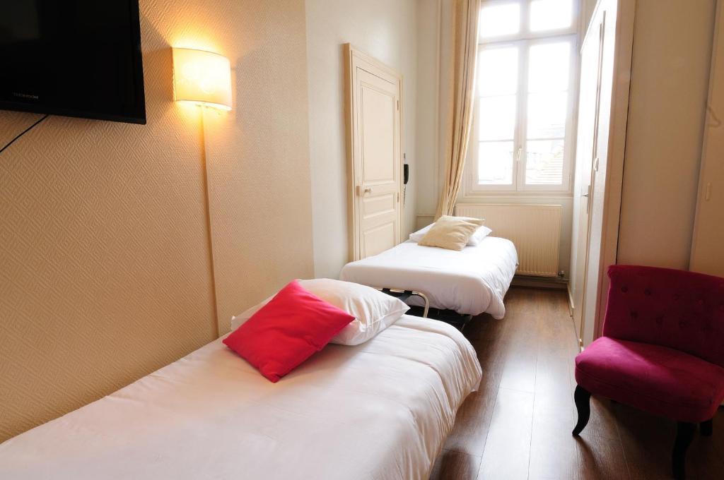h tel du palais digione prenotazione on line viamichelin. Black Bedroom Furniture Sets. Home Design Ideas