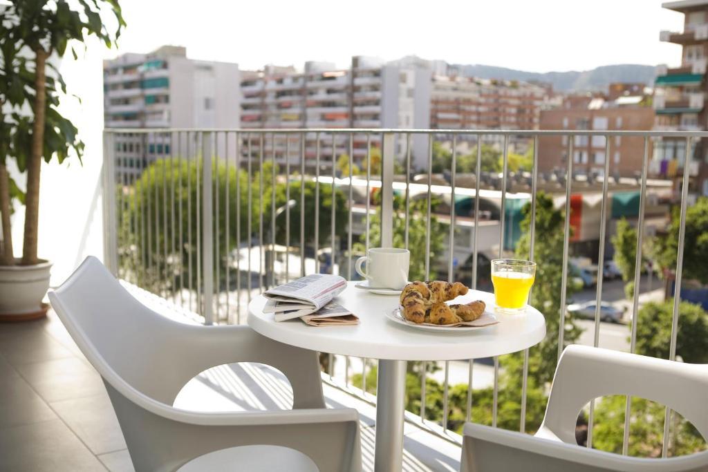 08028 apartments locations de vacances barcelone for Appart hotel barcelone avec piscine