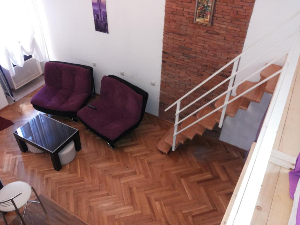 Comfortable flat in central tbilisi r servation gratuite for Canape tbilisi