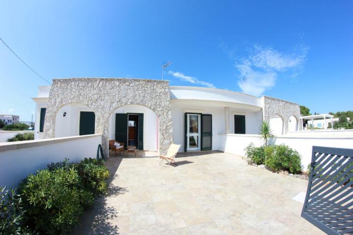 Casa vacanze villetta in stile mediterraneo italia marina for Piani di casa in stile mediterraneo