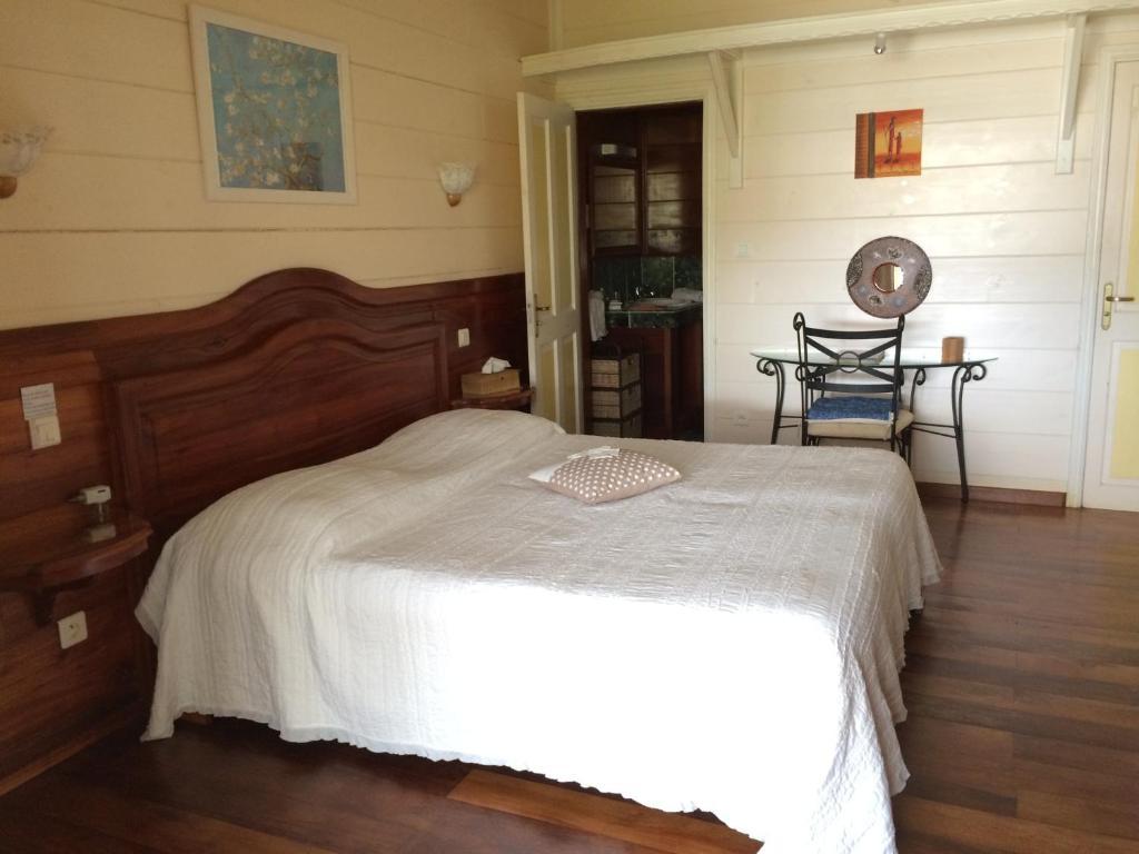 Le Bois Rouge Cilaos reserva tu hotel con ViaMichelin # Le Bois Rouge Cilaos