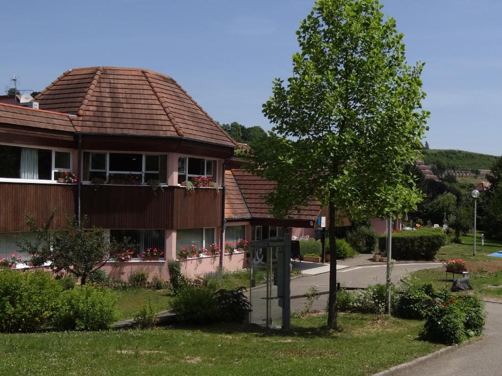 Vvf villages obernai obernai book your hotel with for Hotels obernai
