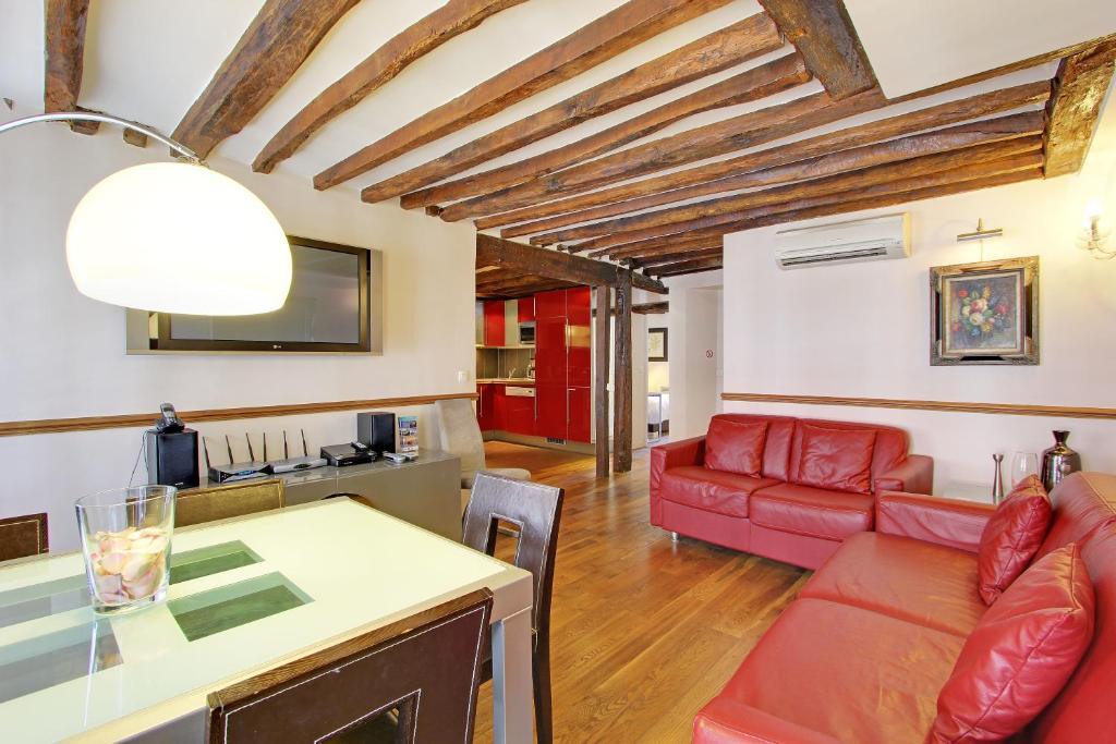 Eiffel tower flats paris book your hotel with viamichelin for Flat hotel paris