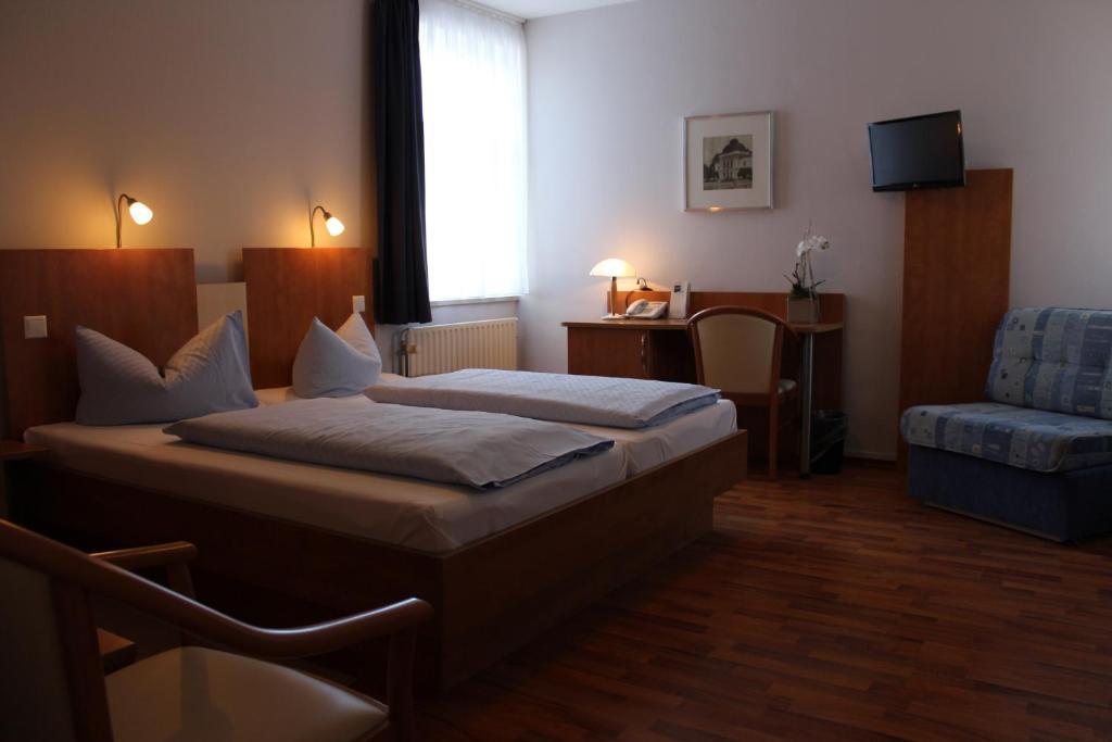 Hotel rendsburg rendsburg online booking viamichelin for Hotel 1690 designhotel rendsburg