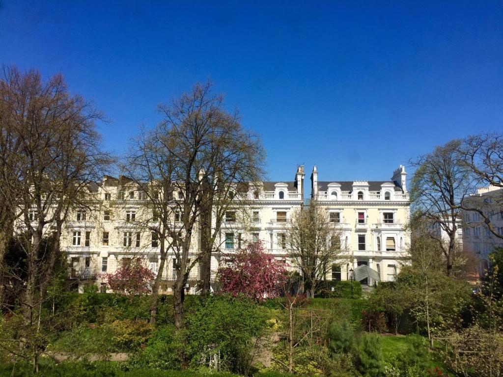 London Blue Bells Hotel
