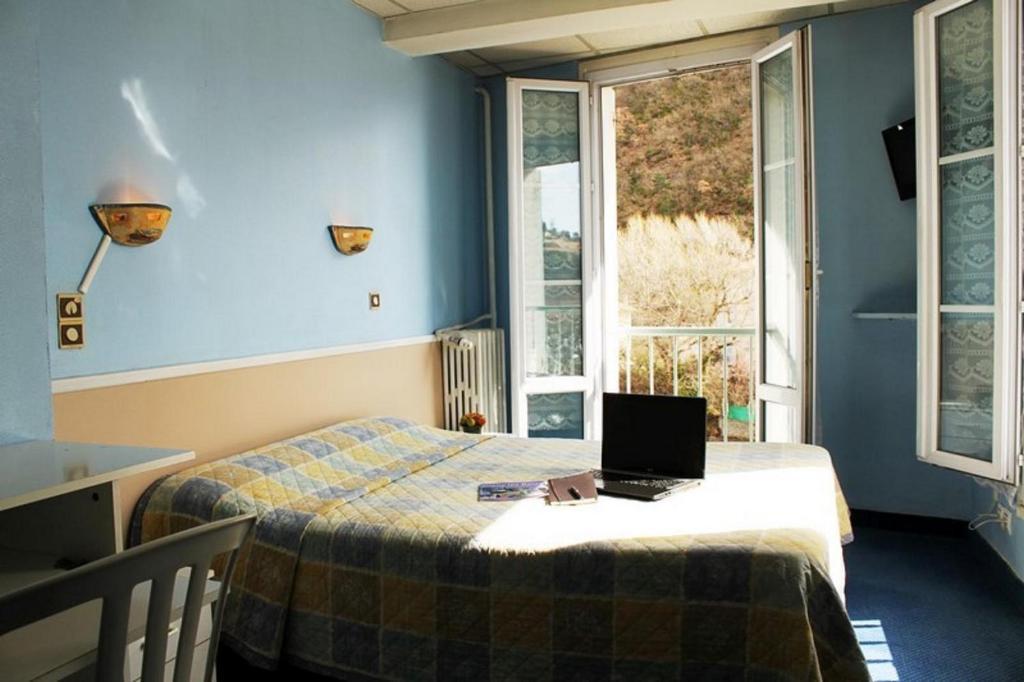 h tel l 39 aiglon digne les bains informationen und buchungen online viamichelin. Black Bedroom Furniture Sets. Home Design Ideas