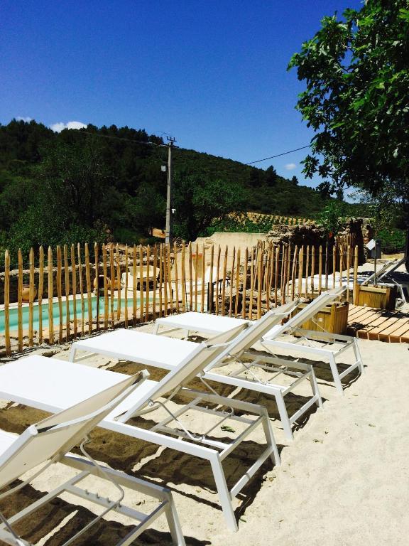 Domaine de mandourelle rentals in villes que des for Cash piscine carcassonne