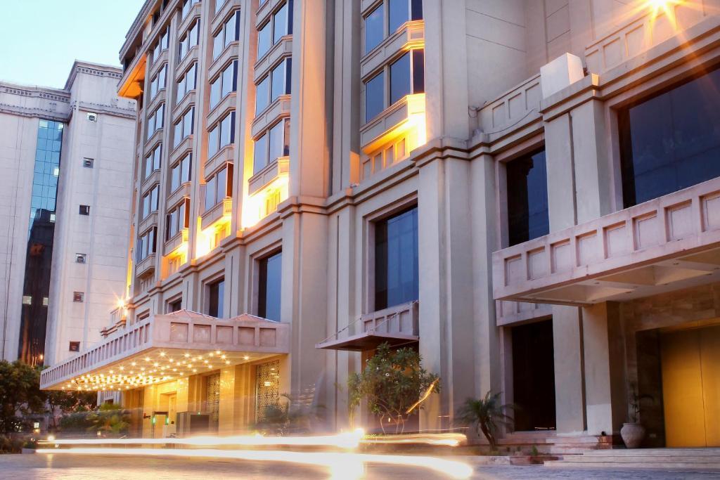 Resultado de imagem para The Metropolitan Hotel & Spa