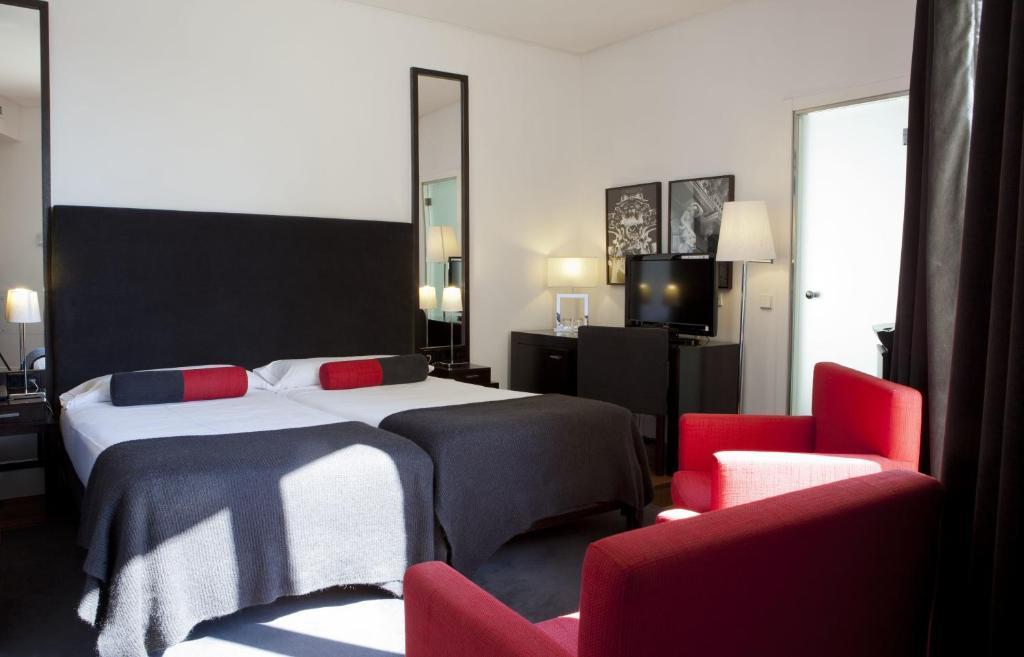 Quatro Puerta Del Sol Madrid Book Your Hotel With
