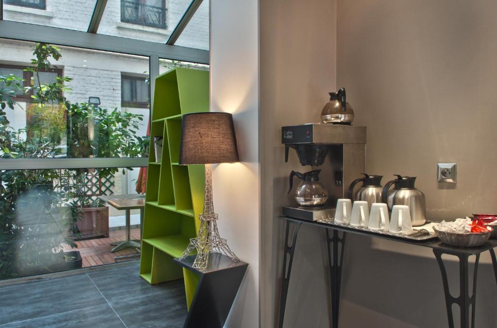 Hotel alpha paris tour eiffel by patrick hayat boulogne for Design hotel alpha paris tour eiffel