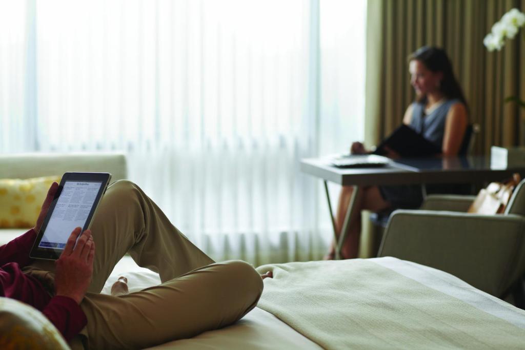 Four Seasons Hotel Toronto Room Service Menu