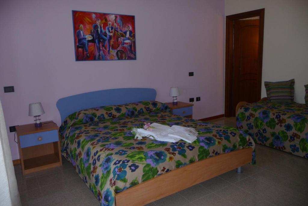 Chambres d 39 h tes art music b b chambres d 39 h tes villa for La chambre de giovanni